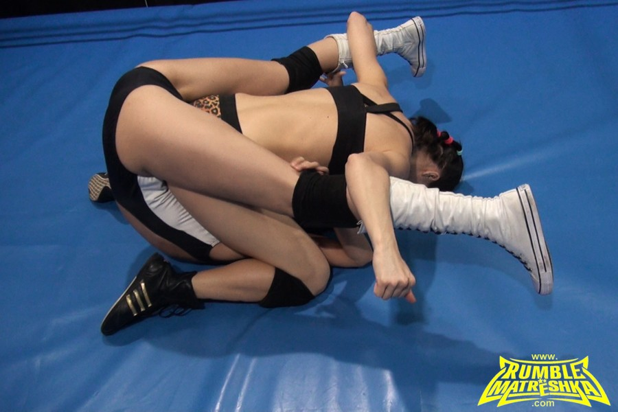 girls wrestling